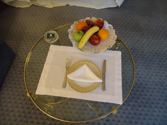 Park Tower: plato de frutas de bienvenida