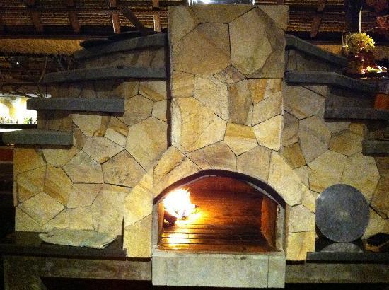 Il Giardino: Coffee wood fueled pizza oven