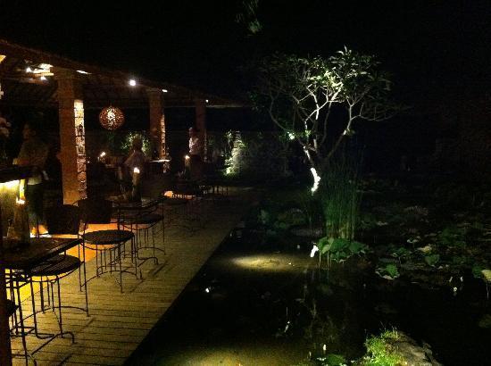 Il Giardino: Beautiful garden setting