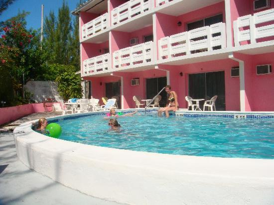 Bell Channel Inn: Pool area