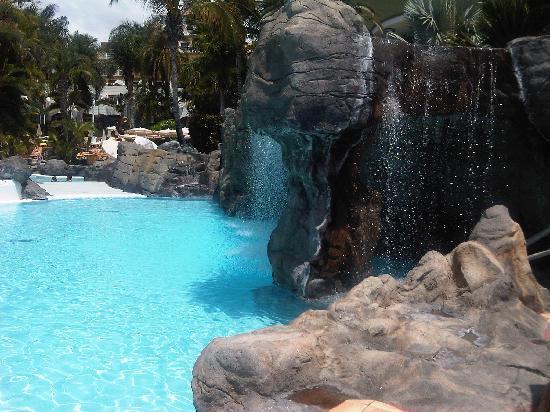 Jardines de Nivaria - Adrian Hoteles : piscina con cascata