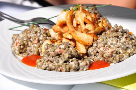 Caveau Morakopf : Salade de lentilles aux blanc volaille (marinated sauteed slivers of chicken breast served with
