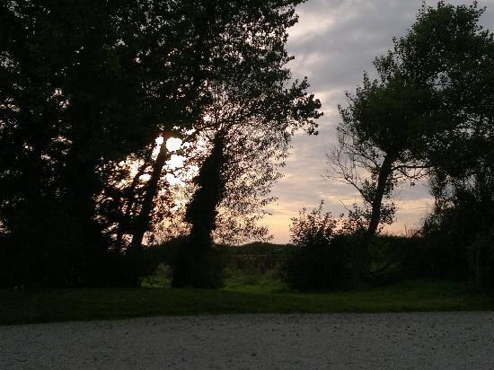 Ivy House - Utah Beach Normandy: View from outside of cottage at Sunset