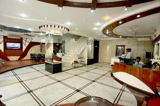 Hotel Chanchal Continental: reception