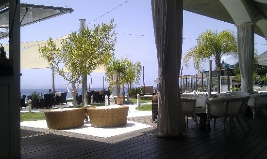 Marea Terraza Lounge Bar: Looking From The Covered Area