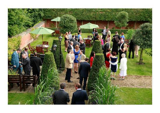 Tylney Hall: Reception in the private garden
