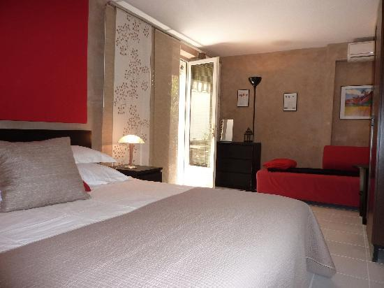La Maison Des Capucines : Victor room , ground floor