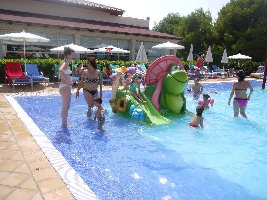 Zafiro Menorca: The splash pool