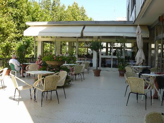 Hotel Miramare et de la Ville: Il ristorante visto dalla terrazza