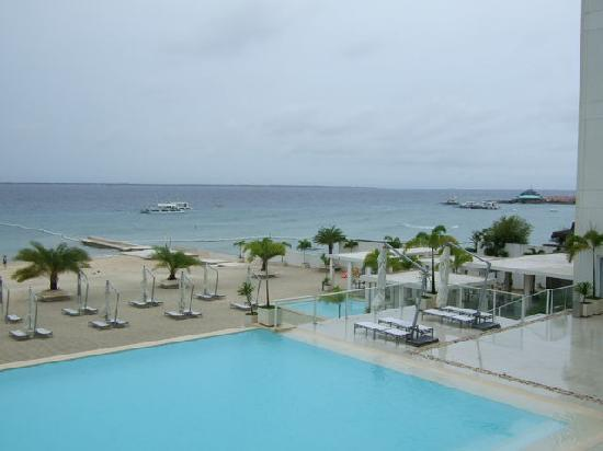 Be Resorts - Mactan: private beach & pool