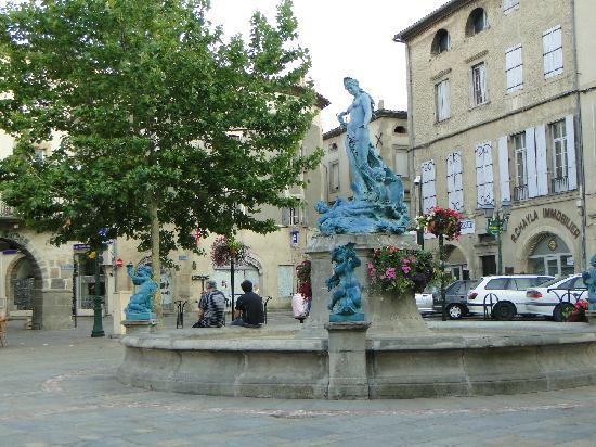 La Place de la Republique, Limoux