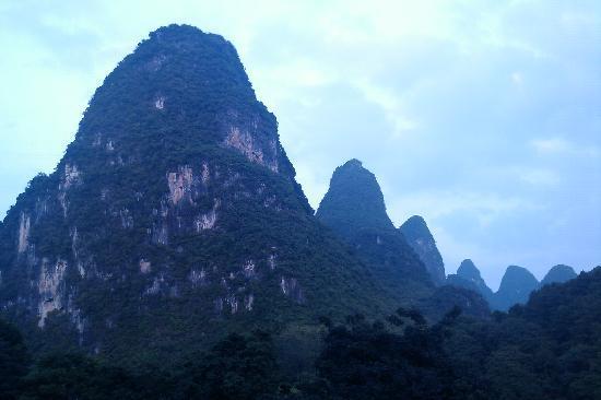 Li River Resort : Las vistas desde la habitación (foto de movil)