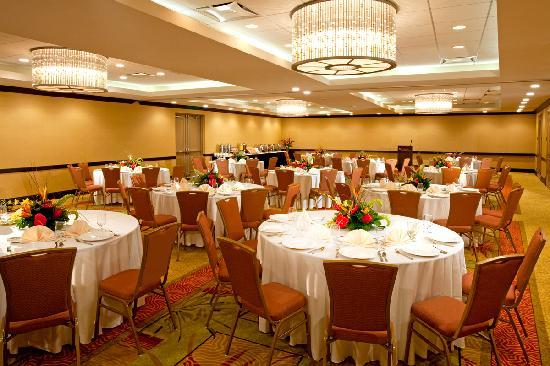 Wyndham Deerfield Beach Resort: Banquets and Weddings from 25 to 150