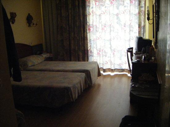Hotel Peymar: OUR ROOM