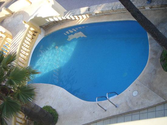 Hotel Peymar: SMALL DEEP POOL
