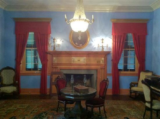 Rose Hill Plantation State Historic Site: interior room