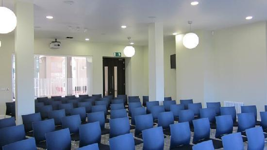 University Of Chichester Bed & Breakfast: Conference Room