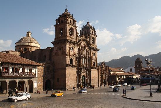 จตุรัสอามาส: Cusco La Compañia