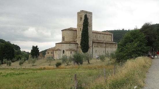 Borgo Tepolini: just nearby