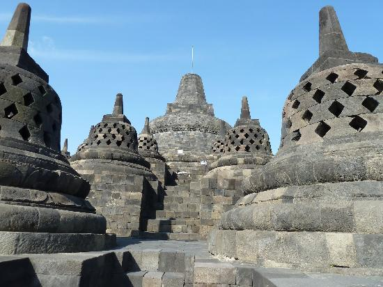 """De Borobudur Tempel: Oben im """"Nirvana"""""""