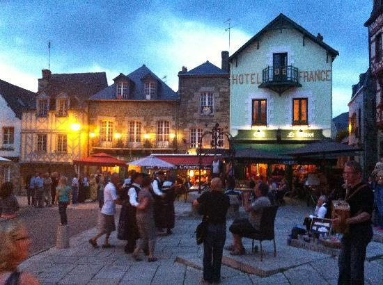 Le Bistrot : Cafe de France, Josselin, on a summers evening