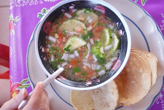 Loncheria Alexia y Geovanny: Lime Soup...yummy!!