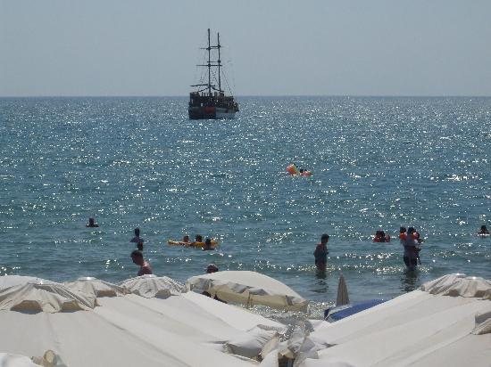 Sirma Hotel: Beach