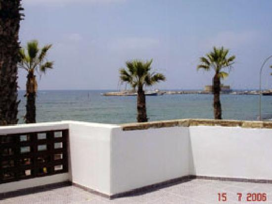 Paphinia Sea View Apartments: Typical View of Paphos Harbour from one of Paphinia's spacious private balconies. These Views ca