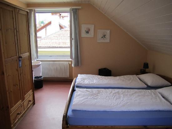 Bern Backpackers - Hotel Glocke: Great room on the top floor