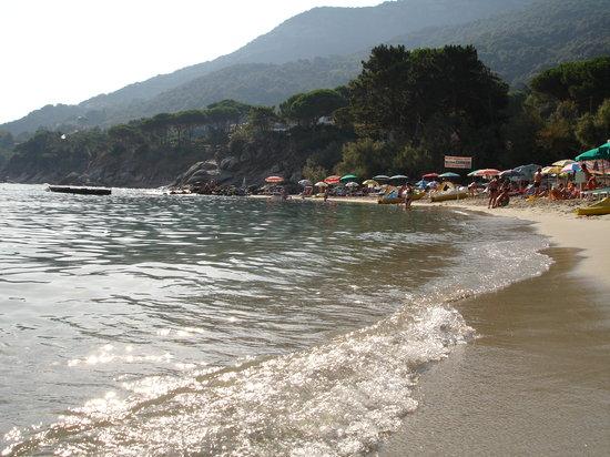 Elba, Italië: spiaggia Sant'Andrea