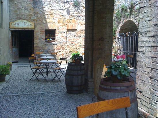 Ristorante degli Archi: Outside sitting