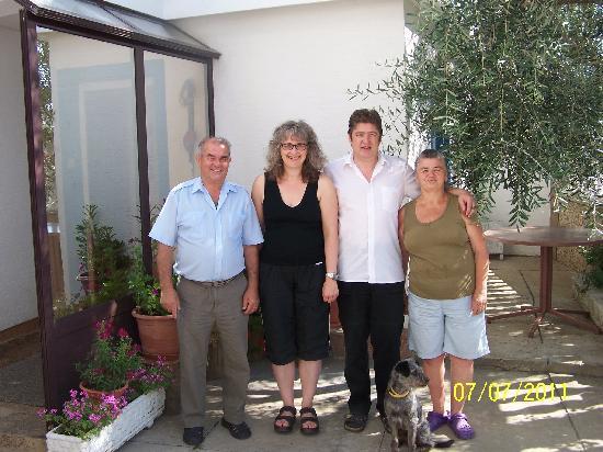 Pension Smokvica: Abschiedsfoto mit den Wirtsleuten