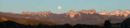Ridgway State Park : Full moon over the Cimarron Range