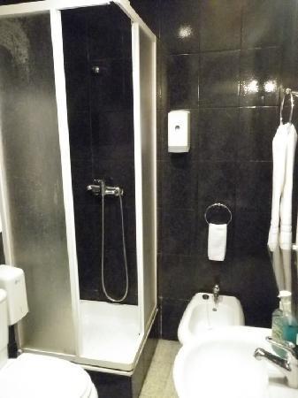 Pensao Cristal: la salle de bains