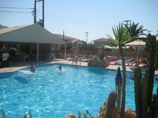 Louros Beach Hotel Spa: POOL AREA