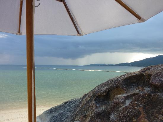 Beach Republic The Residences: La pluie arrive pour 5 min seulement!