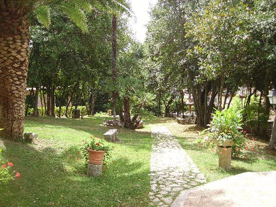 Arpino, อิตาลี: Giardino