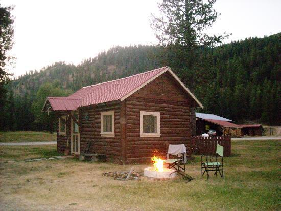 De Borgia, MT: Cabin