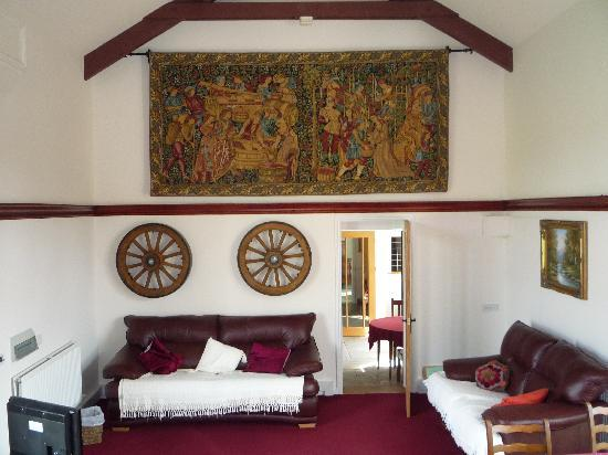 Beili Helyg Guest House: The guest lounge