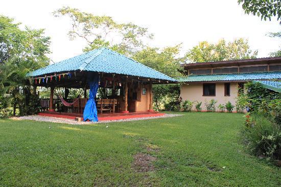 Fidelito Ranch & Lodge: Gartenpavillon und Gästehaus