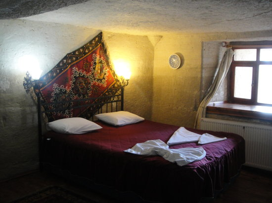 Peri Cave Hotel: Our room