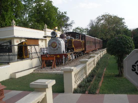 Rambagh Palace: The 'steam' during the day so not open