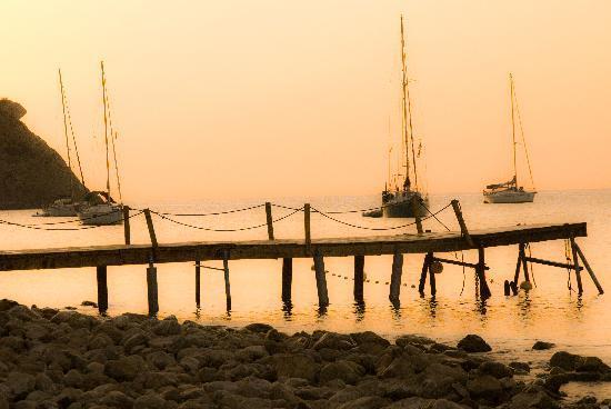 Sirenis Cala Llonga Resort: Cala Llonga Bay, morning
