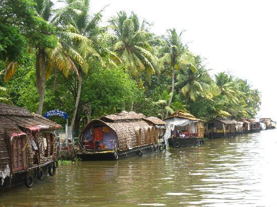Eco Trails Kerala: Houseboat Cruise