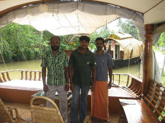 Eco Trails Kerala: Wonderful Houseboat Crew