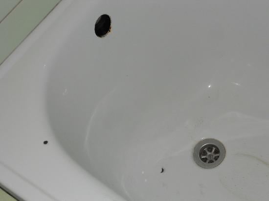 Budget Flats Antwerp: vasca da bagno