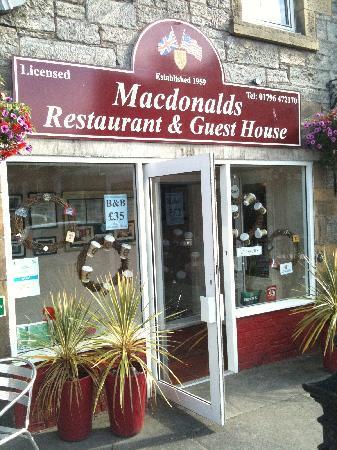 McKays Hotel, Bar & Restaurant: Front door of B&B