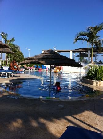 Brilliant Hotel Apartments: little pool