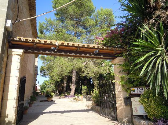 Petit Hotel Rural Son Jorda: L'entrée de l'hôtel