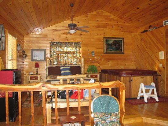 Broken Bow, OK : Another angle of the sleeping area